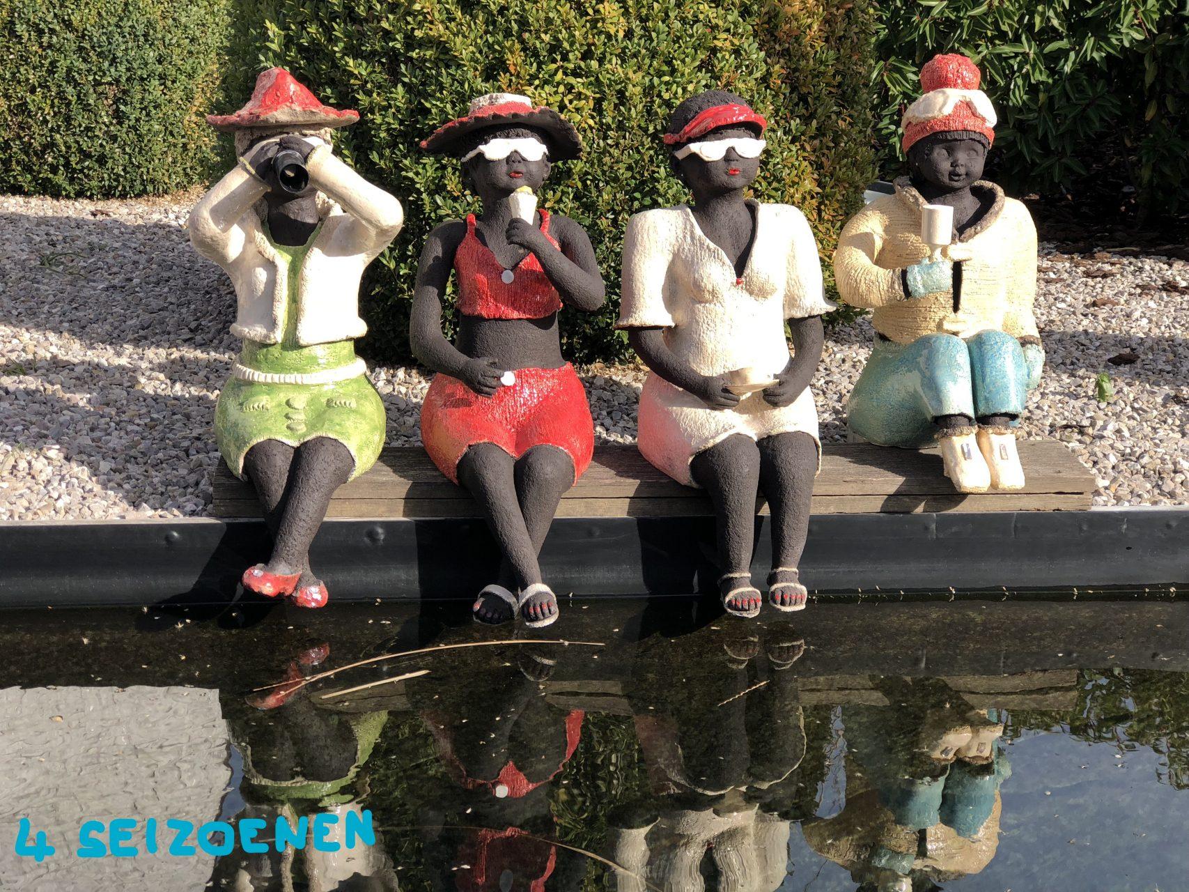 Vier dikke madammen, klaar voor de vier seizoenen