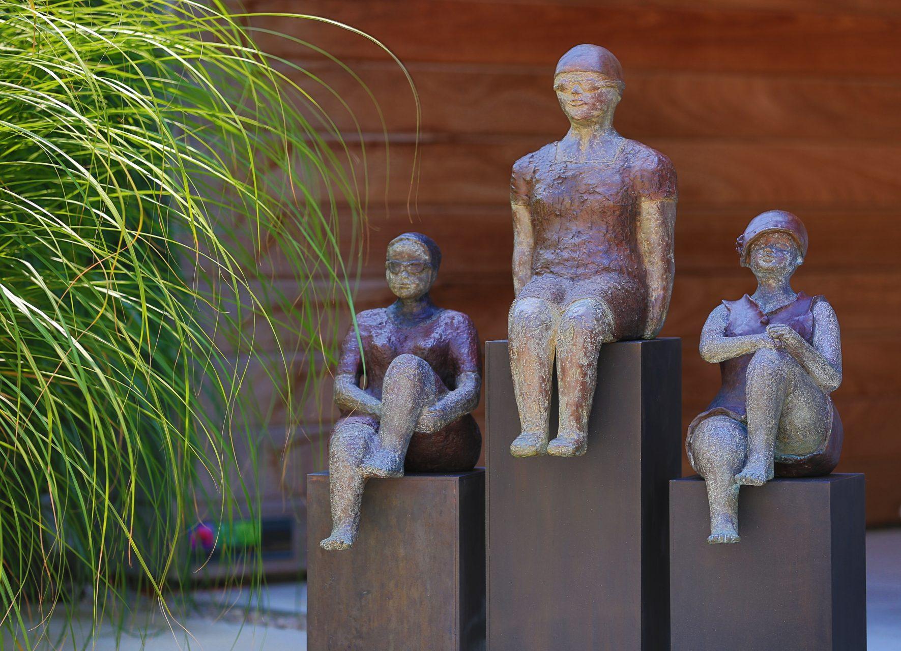 Mister M bij zijn twee dikke madammen in brons Kunst voor binnen en buiten