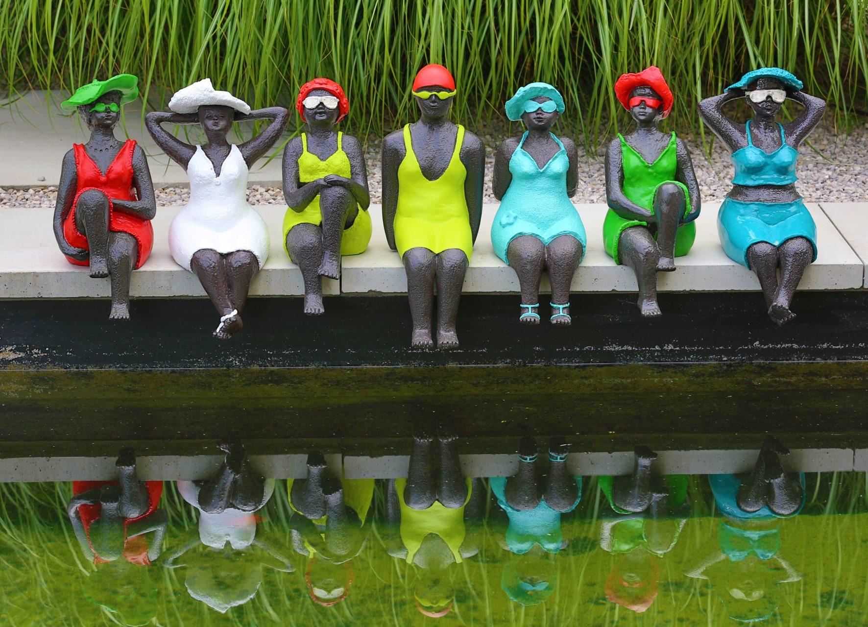 Een vrolijke bende op een rij - polyester | kunst voor aan het water